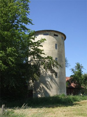 Water tower in Marienrachdorf from which the company derived its name
